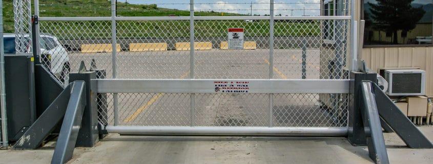 Tip-Up-Gate Ideal Fencing